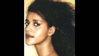 "Ejigayehu Shibabaw - Metahugn Felige ""መጣሁግኝ ፈልጌ"" (Amharic)"