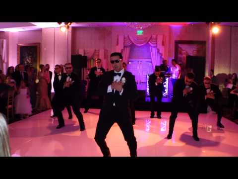 An EPIC SURPRISE WITH LESS SCREAMING: AN AMAZING Choreographed Wedding Dance