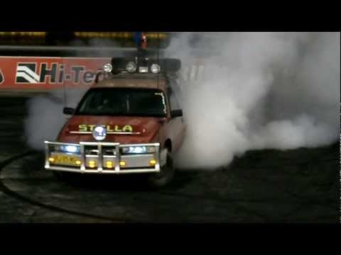 STELLA HOLDEN VN V6 COMMODORE WAGON BURNOUT AT WSID 15.2.2012.AVI