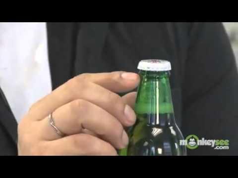 10 cách mở bia cho dan nhậu chuyên nghiệp