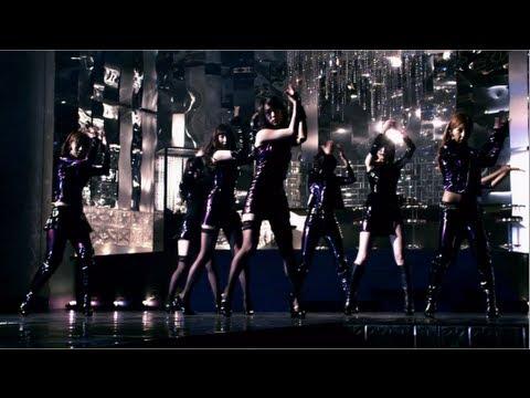 「女神はどこで微笑む?」MV / AKB48[公式]