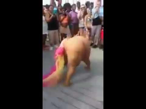 Gorda dançando , alguem aguenta uma dessa kkkkk