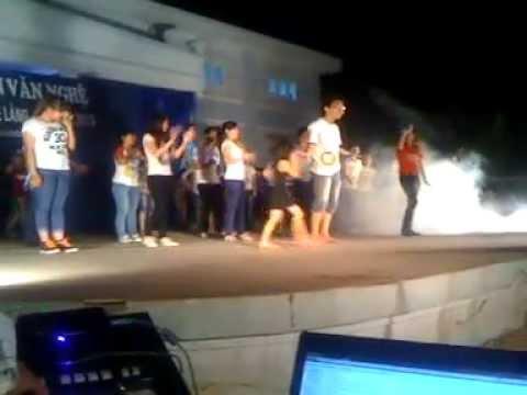 Gangnam Style by Tây Tựu English Club 19/04/2013