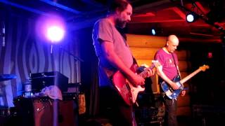 Built to Spill playing Built to Spill [Ultimate Alternative Wavers] view on youtube.com tube online.