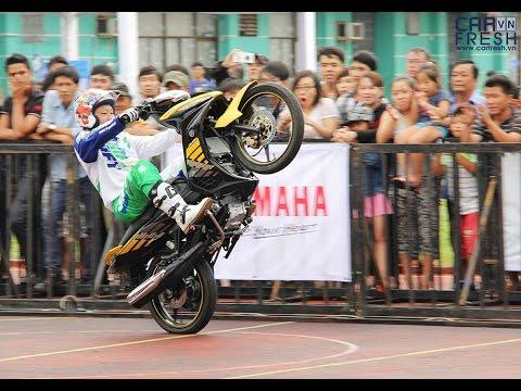 NOZAKI stunt Exciter RC 135cc tại Yamaha REV Tour SVĐ Hoa Lư TPHCM