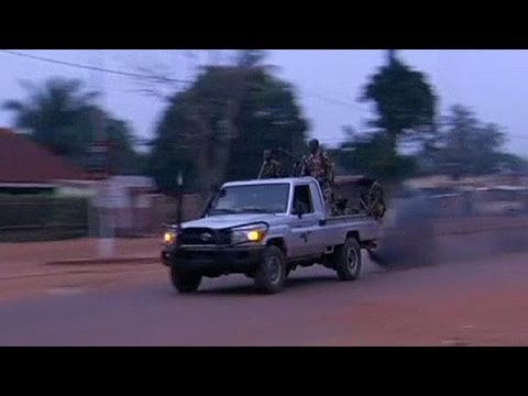 Deadly clashes in Central African Republic ahead of UN vote on French intervention