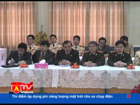 Phó Bí thư thường trực Thành ủy Hà Nội thăm, chúc tết phòng CSGT và CSCĐ
