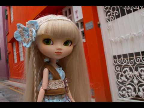 Pullip MV 18 Falling For You, New MV featuring Aki (Paja) and Eddie (Custom Boy). I enjoy sewing this summer collection. My next sewing tutorial is that maxi dress Aki's wearing. The pics...