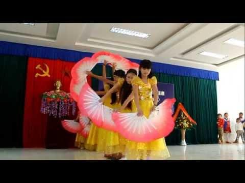 Múa   Kỉ niệm mái trường   THCS Thụy Hương