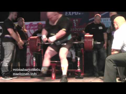 Bullfarm Powerlifting Championships 2012 Jani Murtomki bench presses
