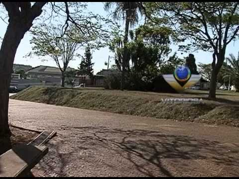 Descaso na praça em Ituiutaba é motivo de reclamação da população
