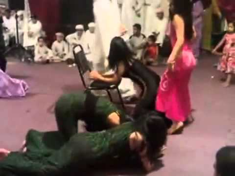 M'alayah معلايه) Arabic Dance at a Wedding