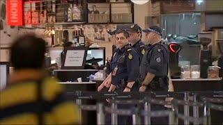 اتهام رجلين في أستراليا بالتخطيط لزرع قنبلة على رحلة للاتحاد للطيران | قنوات أخرى