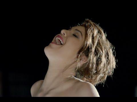 Celeste Buckingham - Love in Your Soul (Láska na Vlásku)