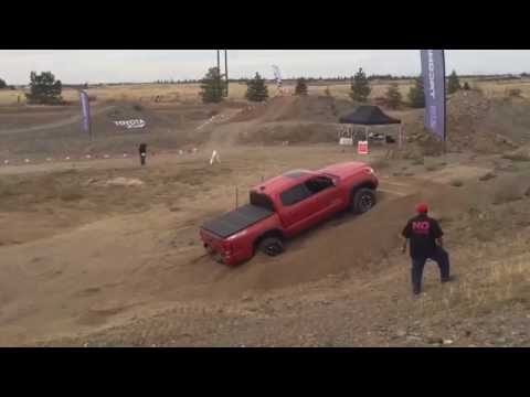 2016 Toyota Tacoma TRD 4x4 review - Let's torture test it on the obstacle course