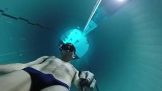 Freediving to the bottom of Y-40 in one breath
