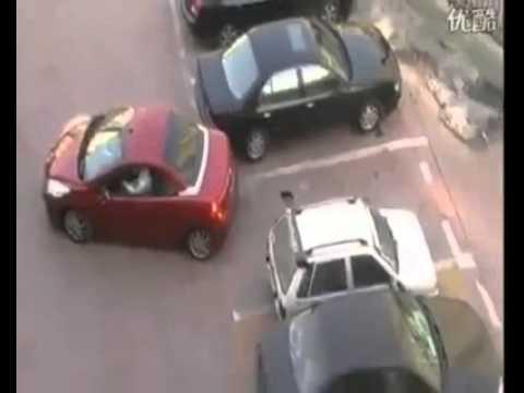 Wow .... inilah cara parkir paling tidak benar