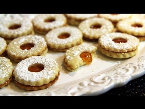 Cookies with Apricot Jam (Sablés à la Confiture)