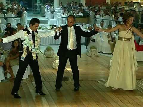 ΓΡΙΒΑ ΧΟΡΟΣ ΤΟΥ ΓΑΜΠΡΟΥ ΜΙΑ ΜΑΝΑ ΑΠΟΨΕ ΜΑΛΩΝΕ ΜΙΑ ΑΓΑΠΗ ΑΠ'ΤΑ ΠΑΛΙΑ GRIVA DANCE groom