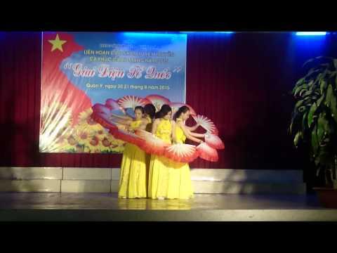 Múa quạt Nét Việt (PTIT HCM)