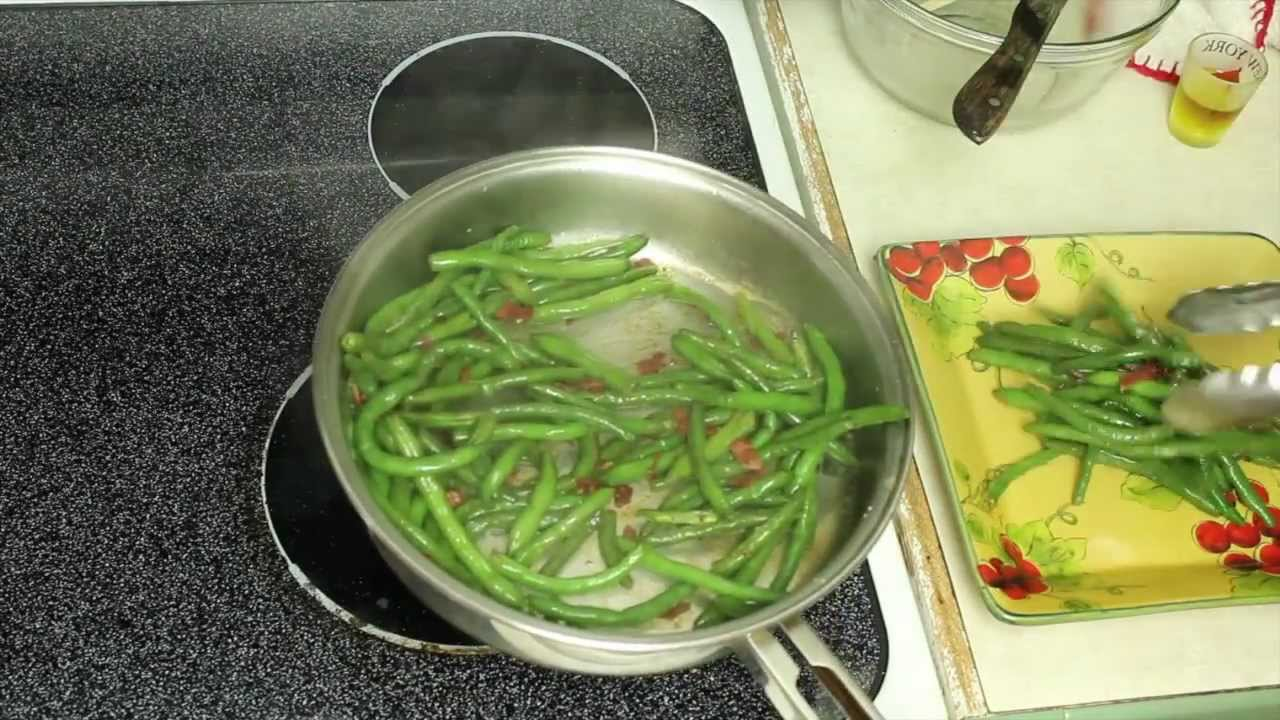 Turkey Bacon Green Beans- Quick & Easy Thanksgiving Side Dish Recipe ...