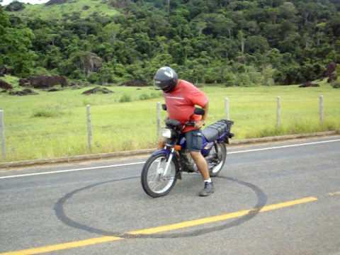 Zerinho titan 99, queimando pneu cortando giro em fundão es, empinando motos