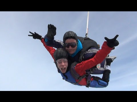 I WENT SKY DIVING FOR FREE PIZZA!