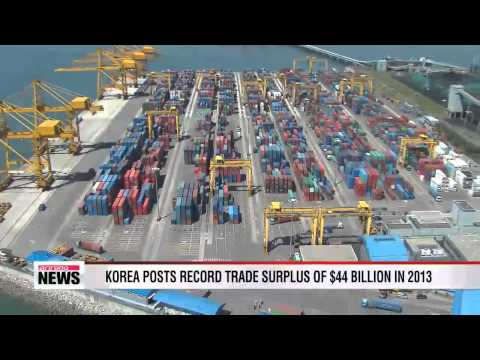Korea posts record trade surplus in 2013