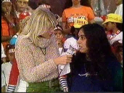 Menina autista homenageia as Paquitas New Generation no Xuxa Park - 1996