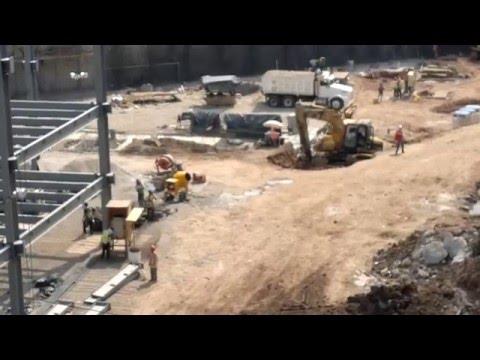 Maquinaria Trabajando y maquinaria para Excavaciones