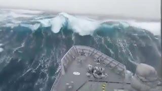 7 Videos von Schiffen die in Seenot geraten