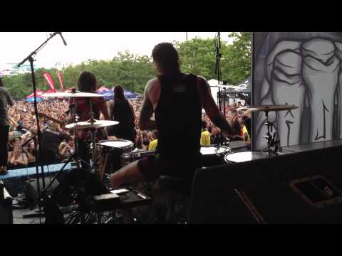 Mike Fuentes - King For A Day (Live @ Warped)
