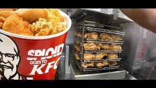 Cận Cảnh Các Làm Gà Rán KFC Tại Mỹ