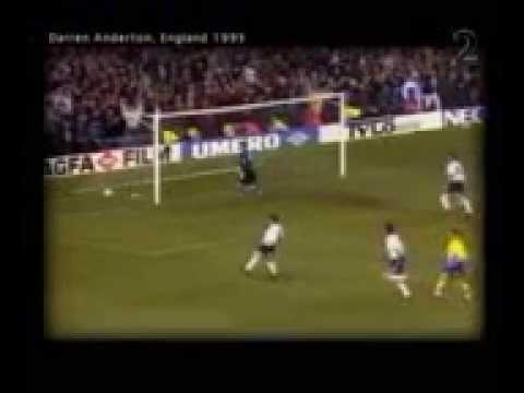 Video Divertenti - Calcio - 5 Gol Assurdi!