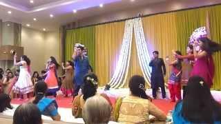 Dancing At Riddhi's Sangeet Angreji Beat Yo Yo Honey Singh