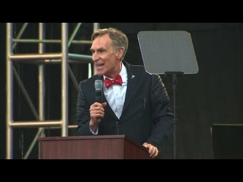 Bill Nye calls out lawmakers