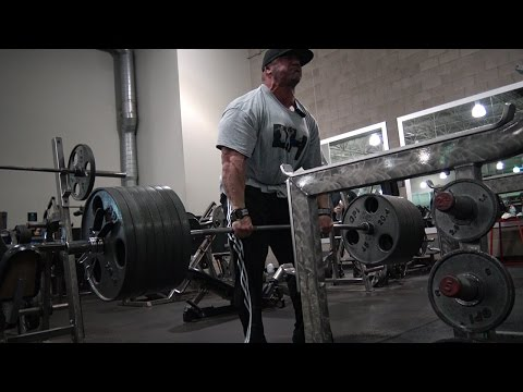 Dusty Hanshaw deadlifts 675