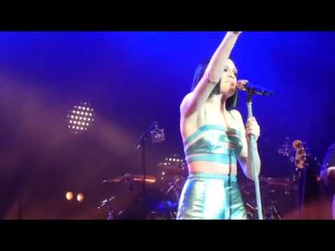 Jessie J You Don't Really Know Me Sherwood Pines 13.06.2014
