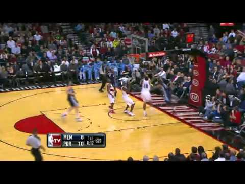 Rudy Gay Blocked By Marcus Camby - Grizzlies vs. Trail Blazers (24.01.2012)