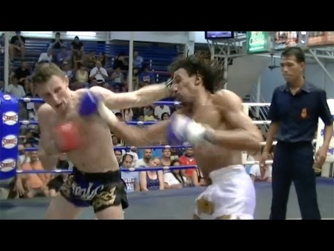 Martin Avery VS Aiden FA Group: Bangla Boxing Stadium, 18th July 2014