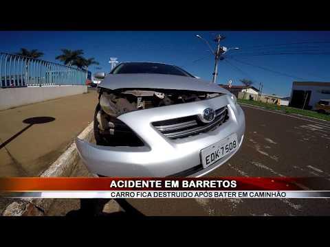 06/05/2019 - Colisão entre carro e caminhão é registrado no Bairro América em Barretos