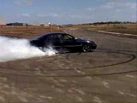 Holden VT V6 Berlina Burnout 2