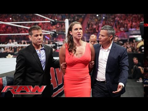 Brie Bella has Stephanie McMahon arrested: Raw, July 21, 2014