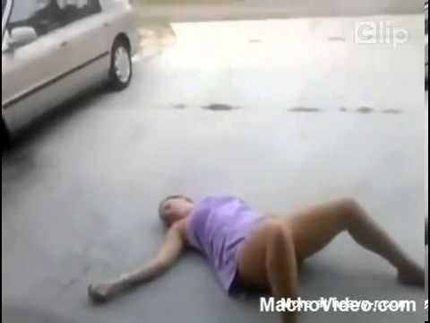 Clip thiếu nữ say rượu  hot nhất tuần qua