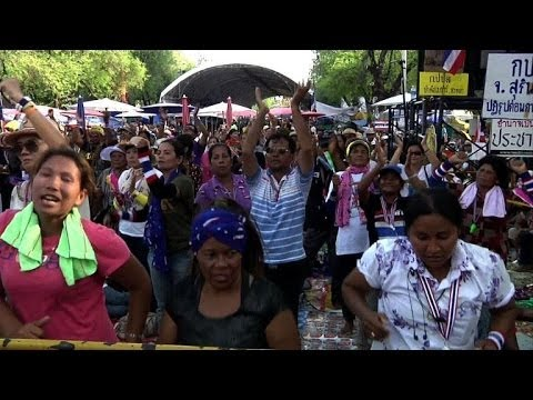 Thai anti-government protesters welcome martial law