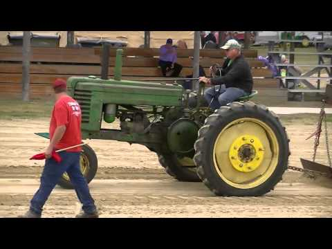 Delmont SD Antique Tractor Pull 1 of 3