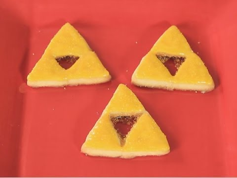 Zelda Triforce Cookies! - QUAKE N BAKE
