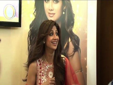 Shilpa Shetty's golden dream - Bollywood Country Videos