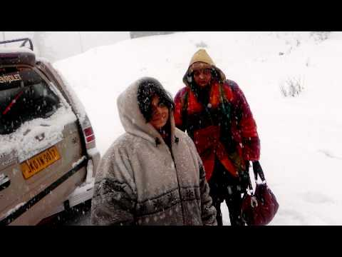 First snowfall of gulmarg 21/12/2013 by rajiv bhat