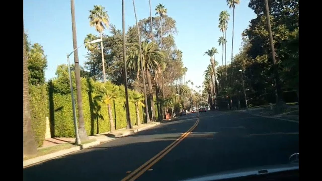 Tour of beverly hills and sunset blvd celebrity mansions for Celebrity home tours beverly hills